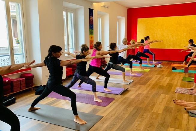 Yoga dinamico Karmachakra Gallarate